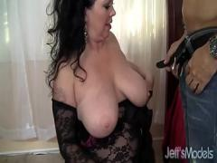 Sexy sexual video category bukkake (518 sec). Hot and plump brunette mom takes cock.